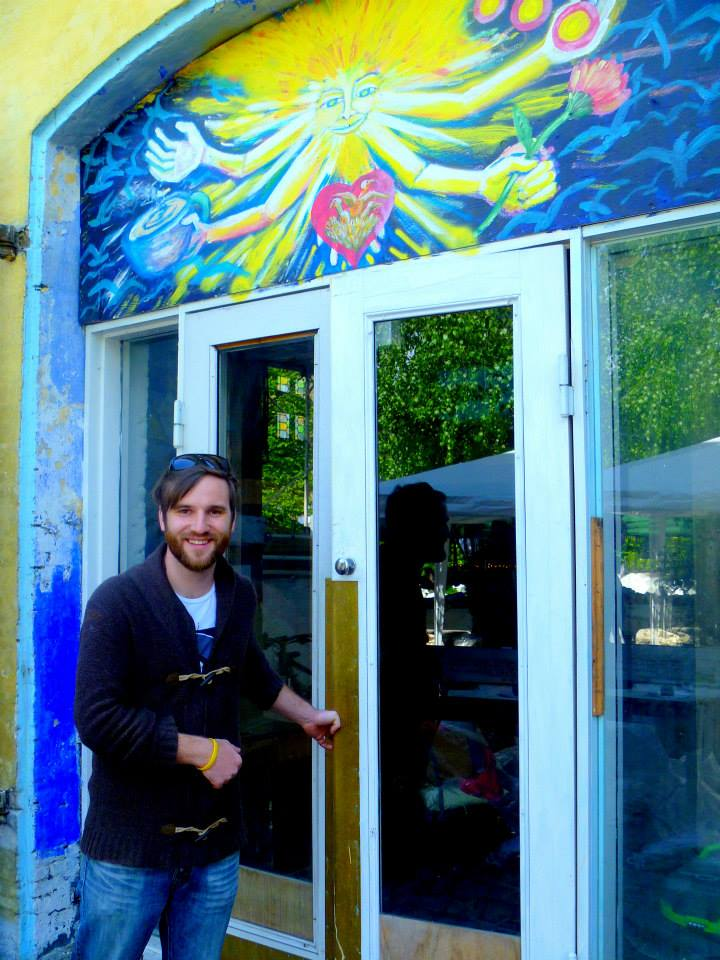 Thilo infront of the doors of Christiania-Kirken.